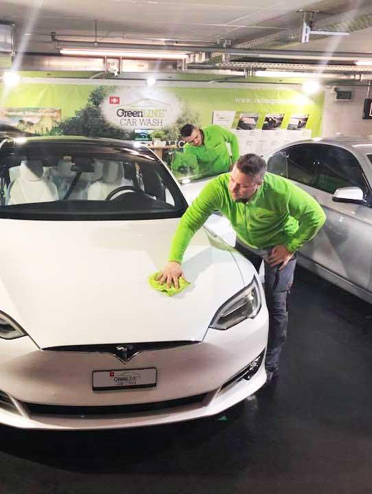 Premium Fahrzeugreinigung - schonend, schnell, ökologisch